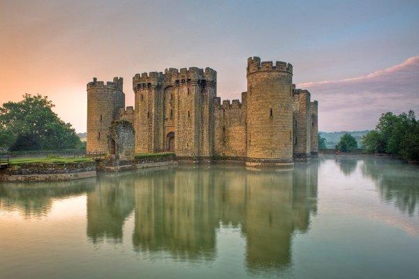 Bodiam-kastély, Sussex, Anglia - Page 2 Bodiam_Castle1-600x400