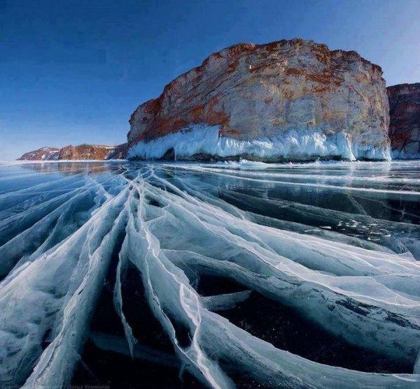 Frozen-Lake-Baikal-Siberia-Russia